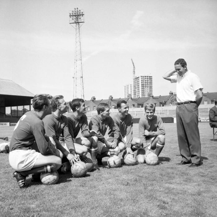 content marketing team - football