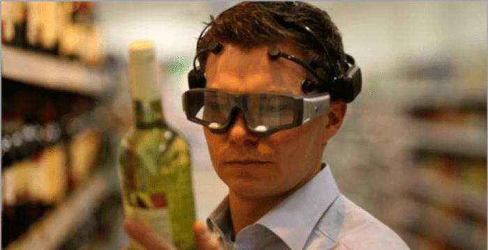 Eye tracking device