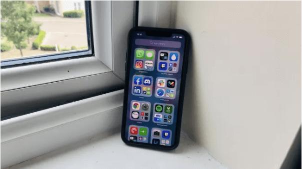 iPhone com iOS14
